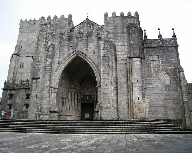 Tui to Santiago de Compostela