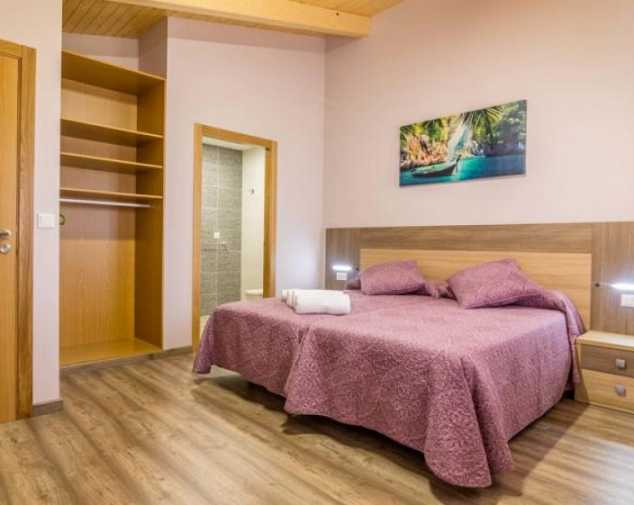 Inns & Guesthouses in Melide