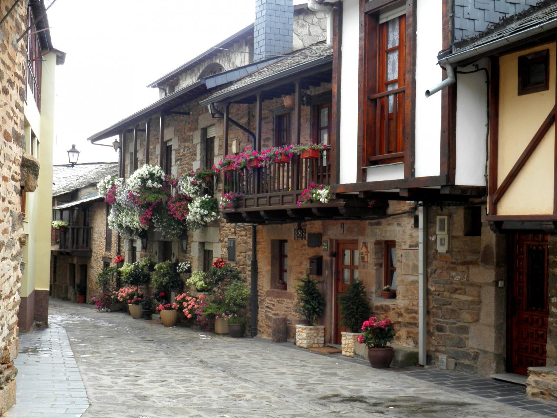 Puebla de sanabria to santiago de compostela charming for Charming hotels
