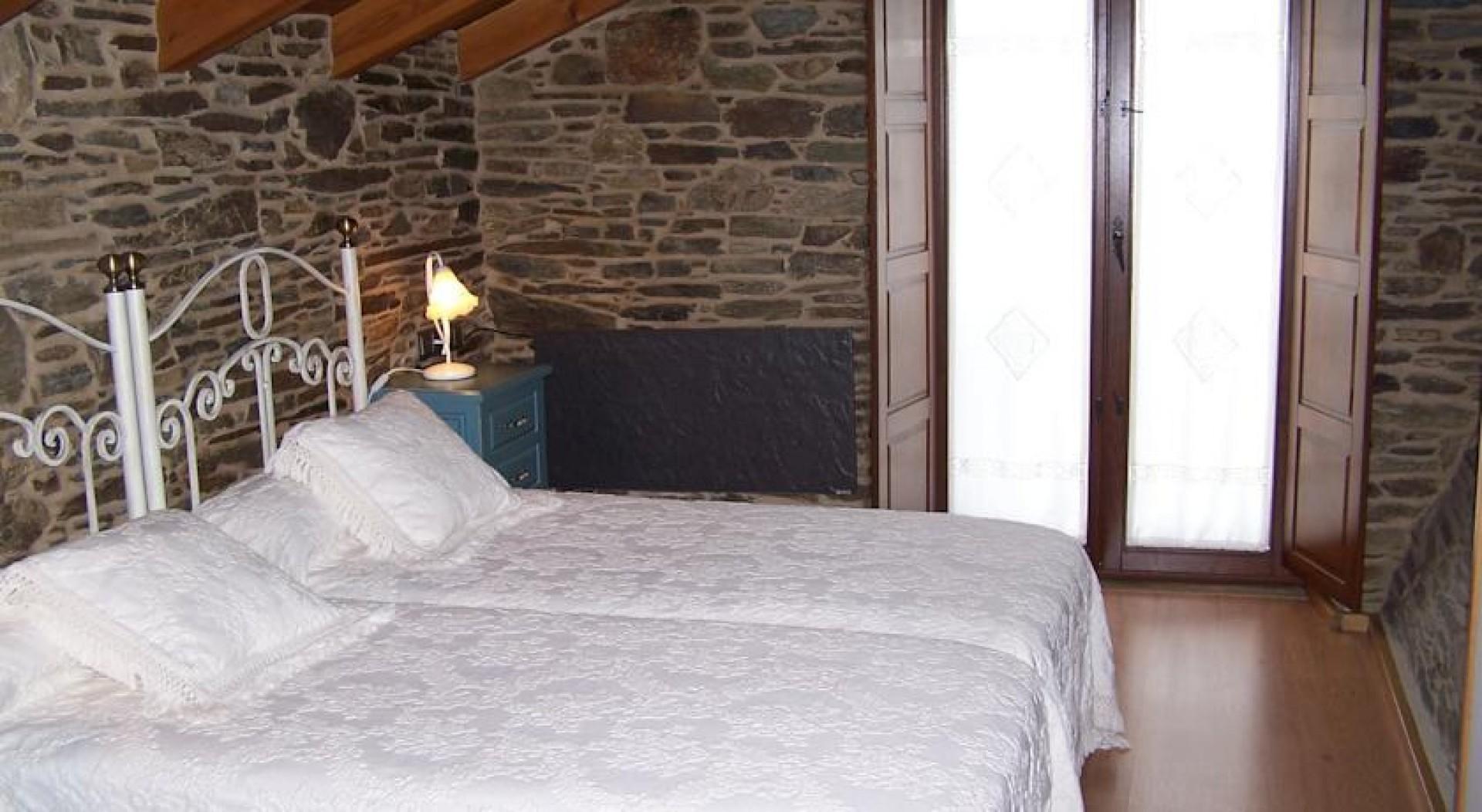 Ferrol to santiago de compostela charming hotels english way for Charming hotels